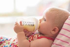 宝宝呕奶怎么办